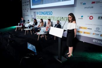 Adriana-Rangel-Esri-1-Ponencia-4-Congreso-Ciudades-Inteligentes-2018