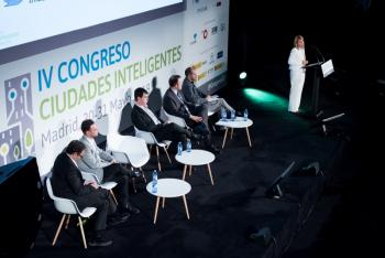 Elena-Nevado-Ayuntamiento-Caceres-2-Ponencia-4-Congreso-Ciudades-Inteligentes-2018Ciudades-inteligentes-2018-144