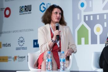Elvira-Garcia-Telxius-1-Mesa-Redonda-4-Congreso-Ciudades-Inteligentes-2018