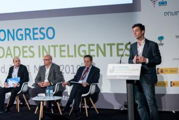 Javi-Vazquez-Concello-Compostela-1-Ponencia-4-Congreso-Ciudades-Inteligentes-2018