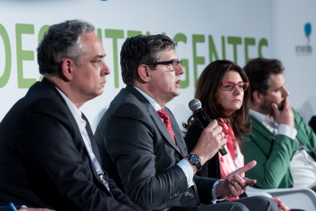Juan-Marin-Kapsch-2-Mesa-Redonda-4-Congreso-Ciudades-Inteligentes-2018