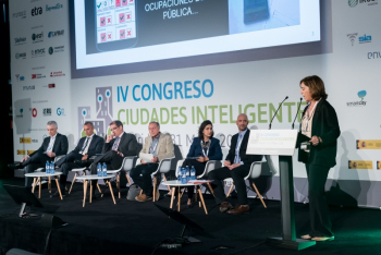 Margarita-Valle-Ayuntamiento-Sevilla-4-Ponencia-4-Congreso-Ciudades-Inteligentes-2018