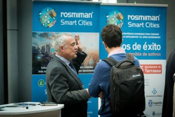 Stands-12-Comida-Networking-4-Congreso-Ciudades-Inteligentes-2018
