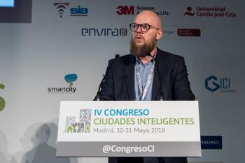 Stefan-Junestrand-Grupo-Tema-Red-1-Mesa-Redonda-4-Congreso-Ciudades-Inteligentes-2018