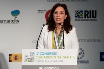 Pilar-PerezParadelo-UNE-1-Ponencia-4-Congreso-Ciudades-Inteligentes-2018