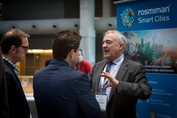 Stands-2-Comida-Networking-4-Congreso-Ciudades-Inteligentes-2018