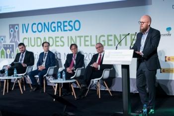 Stefan-Junestrand-Grupo-Tecma-Red-2-Mesa-Redonda-4-Congreso-Ciudades-Inteligentes-2018