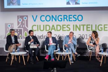 Alejandro-Banegas-Mastercard-1-Mesa-Redonda-5-Congreso-Ciudades-Inteligentes-2019