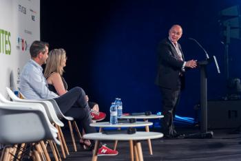 Carlos-Daniel-Casares-Femp-2-Inauguracion-5-Congreso-Ciudades-Inteligentes-2019