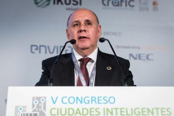 Carlos-Daniel-Casares-Femp-3-Inauguracion-5-Congreso-Ciudades-Inteligentes-2019