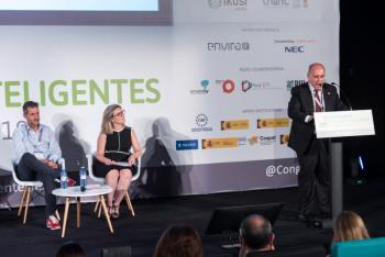 Carlos-Daniel-Casares-Femp-4-Inauguracion-5-Congreso-Ciudades-Inteligentes-2019