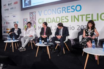 Diego-Pontones-2-Mesa-Redonda-5-Congreso-Ciudades-Inteligentes-2019