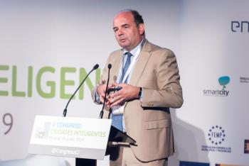Francisco-Javier-Garcia-Vieira-Red-3-Ponencia-Magistral-5-Congreso-Ciudades-Inteligentes-2019