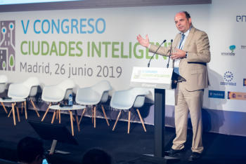 Francisco-Javier-Garcia-Vieira-Red-4-Ponencia-Magistral-5-Congreso-Ciudades-Inteligentes-2019