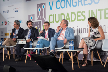 Javier-Araujo-T-Systems-1-Mesa-Redonda-5-Congreso-Ciudades-Inteligentes-2019