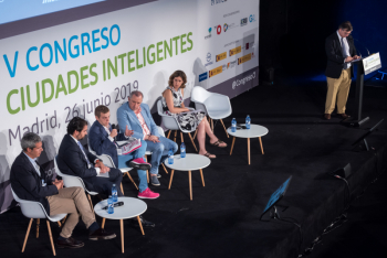 Javier-Araujo-T-Systems-4-Mesa-Redonda-5-Congreso-Ciudades-Inteligentes-2019