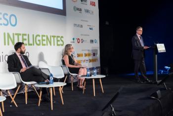 Roberto-Sanchez-Ministerio-Economia-Empresa-3-Clausura-5-Congreso-Ciudades-Inteligentes-2019