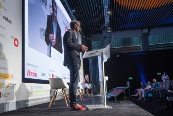 030-16-Inaguracion-David-Cierco-6-Congreso-Ciudades-Inteligentes-2020