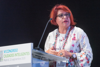 060-14-Teresa-Muela-Moderadora-6-Congreso-Ciudades-Inteligentes-2020