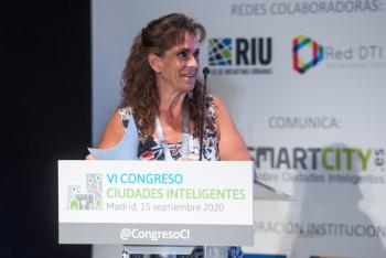 100-12-Rosa-Regatos-Moderadora-6-Congreso-Ciudades-Inteligentes-2020