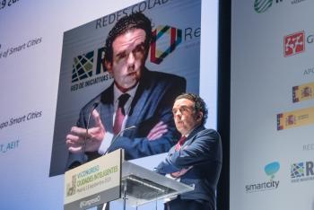 110-12-Mesa-Redonda-Moderador-Felix-Herrera-COIT-6-Congreso-Ciudades-Inteligentes-2020