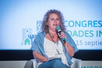 110-20-Mesa-Redonda-Cristina-Fernandez-Benicassim-6-Congreso-Ciudades-Inteligentes-2020