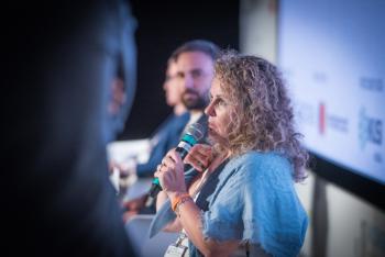 110-22-Mesa-Redonda-Cristina-Fernandez-Benicassim-6-Congreso-Ciudades-Inteligentes-2020