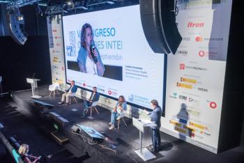 110-24-Mesa-Redonda-Cristina-Fernandez-Benicassim-6-Congreso-Ciudades-Inteligentes-2020